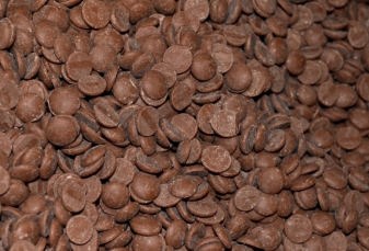 Chocolate transferred by the EGRETIER diverter valve for food industry