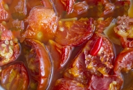 Tomatoes cooked transferred by EGRETIER bilobe volumetric pump and mixed in double ribbon mixer for food industry